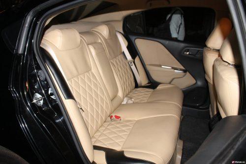 bọc ghế da o tô Toyota Camry