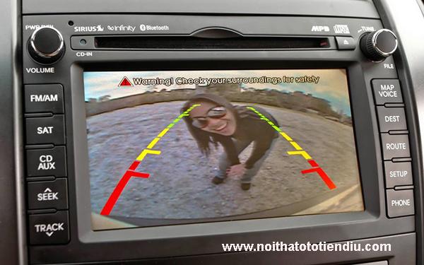 màn hình camera lùi ô tô
