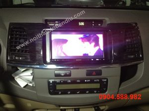 dvd-cho-toyota-fortuner