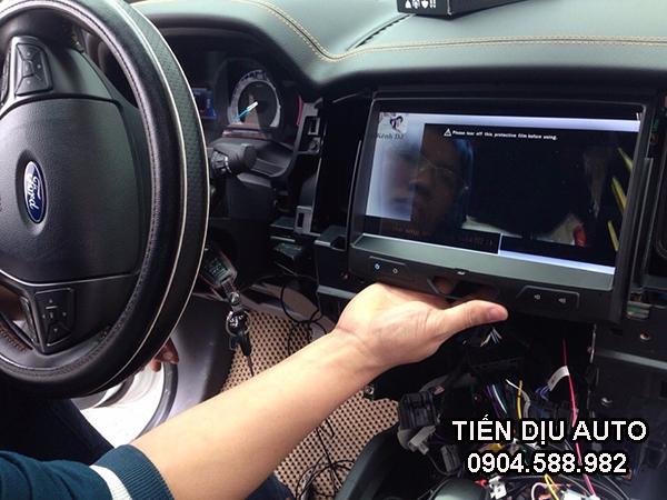 lắp màn hình dvd cho xe ford everest