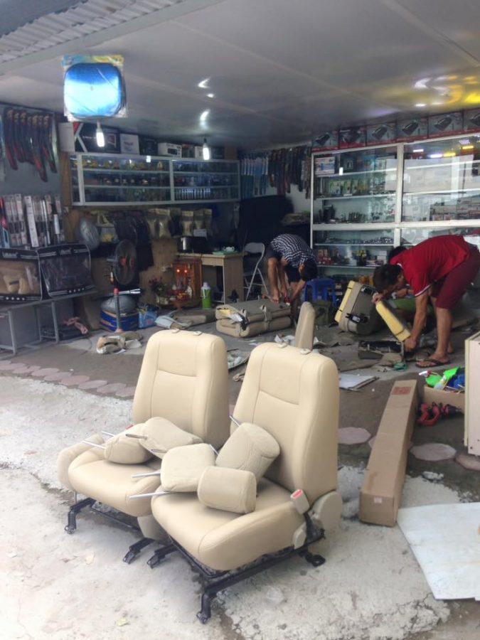 Thợ may bọc ghế da ô tô Toyota Innova giá rẻ tại Tiến Dịu Auto