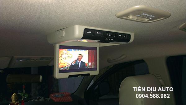 màn hình ốp trần xe hơi