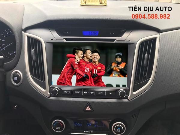 cách xem tivi trên ô tô
