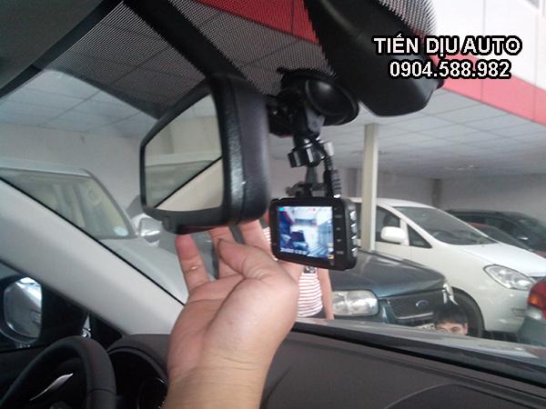 cách lắp camera hành trình ô tô