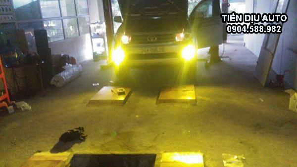 độ đèn gầm xe innova