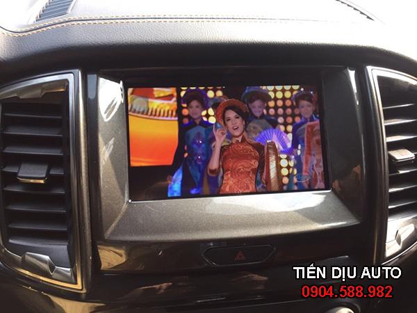 hình ảnh màn hình dvd ô tô ford ranger