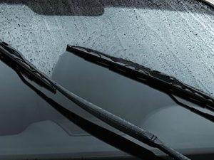 gat mưa ô tô tốt