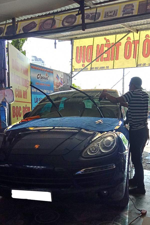 Dán phim cách nhiệt Classis cho xe Porsche