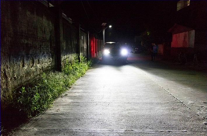 độ đèn xenon cho xe Colorado