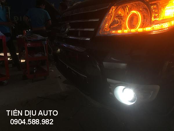 độ đèn gầm xe Ford Everest