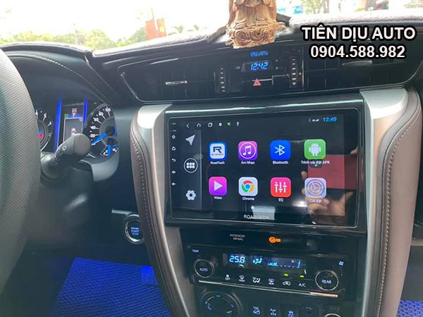 màn hình ô tô Roadtech xe Fortuner