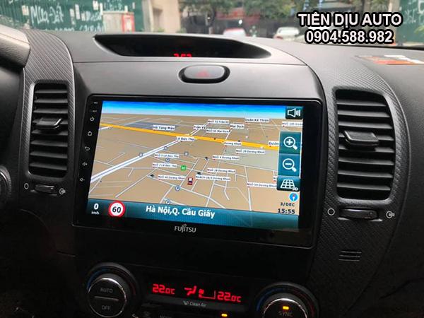 màn hình ô tô dẫn chỉ đường